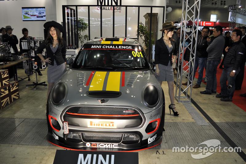 NEW MINI JCWレース専用車