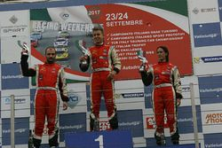 Podio Radical Gara 2: il primo classificto Simone Patrinicola, il secondo classificato Michele Espos