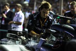 La monoposto di Lewis Hamilton, Mercedes AMG F1 F1 W08 is prepared