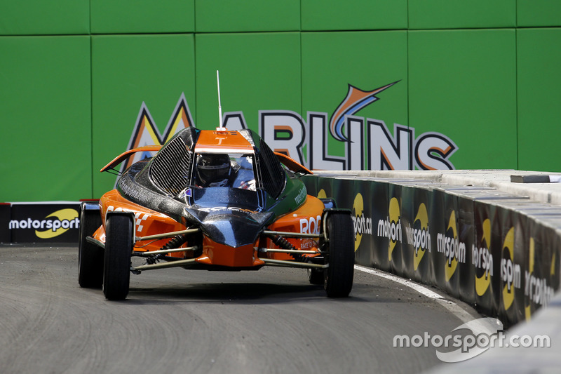 Helio Castroneves, RoC Buggy
