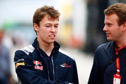 Daniil Kvyat, Scuderia Toro Rosso, talks to an Auto Motor und Sport reporter