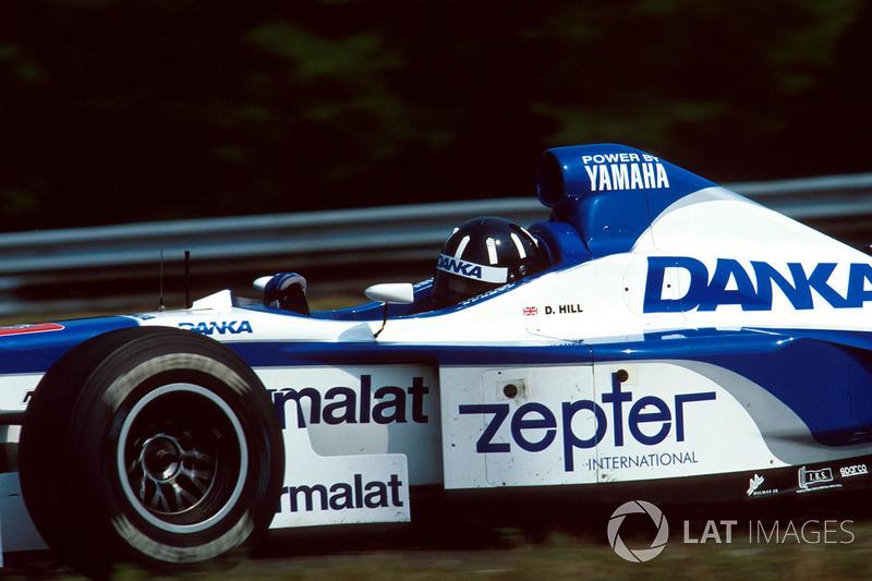 В 1997 году Деймон Хилл едва не выиграл Гран При Венгрии на машине Arrows, однако поломка привода акселератора за два круга до финиша помешала ему сделать это. В итоге он стал вторым, а победил Жак Вильнев