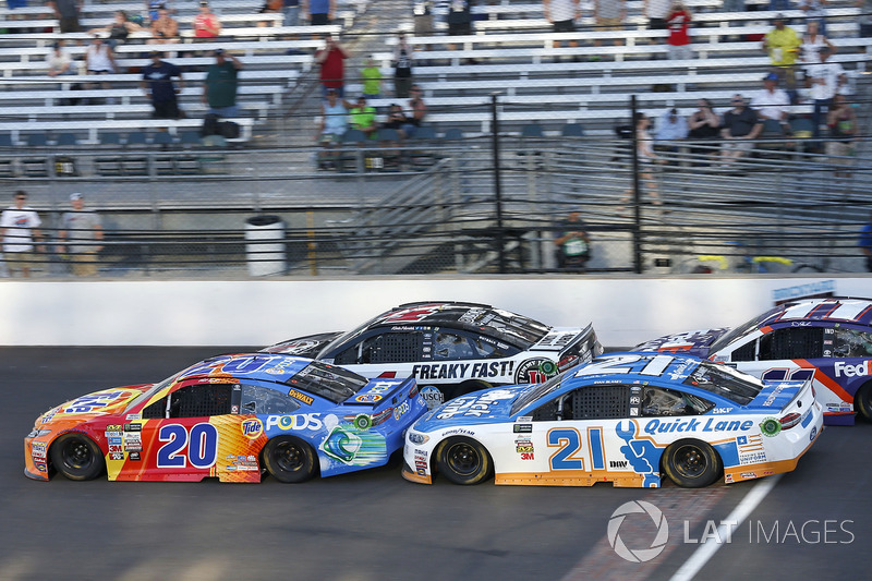 Matt Kenseth, Joe Gibbs Racing Toyota Ryan Blaney, Wood Brothers Racing Ford