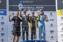 Podyum: Yarış galibi Max Fewtrell, Tech 1 Racing, 2. Sacha Fenestraz, Josef Kaufmann Racing, 3. Max Defourny, R-ace GP