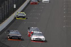 Майкл Аннетт, JR Motorsports Chevrolet и Джой Логано, Team Penske Ford