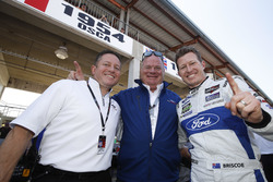 Dave Pericak of Ford with Chip Ganassi and GTLM pole winner Ryan Briscoe, Ford Performance Chip Gana