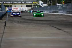 66 Ford Performance Chip Ganassi Racing Ford GT: Joey Hand, Dirk Müller, Sébastien Bourdais; #2 Tequ