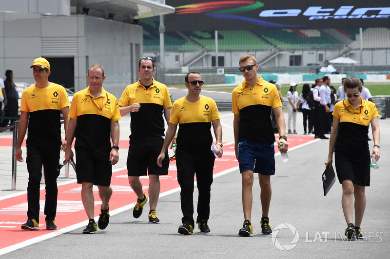 Sergey Sirotkin, Renault Sport F1 Team Test Driver walks the track, the team