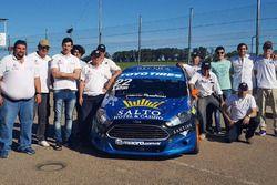 Santiago Urrutia pruebas en el Ford fiesta KD con el staff