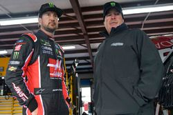 Kurt Busch, Stewart-Haas Racing Ford, crew chief Tony Gibson
