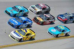 Джастин Алгайер, JR Motorsports Chevrolet, Даниэль Суарес, Joe Gibbs Racing Toyota и Мэтт Тиффт, Joe
