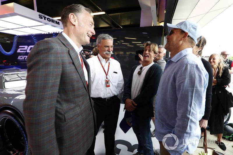 Sean Bratches, Formel-1-Marketingchef, Chase Carey, Chairman, Formel-1-Chef, Woody Harrelson, Schauspieler