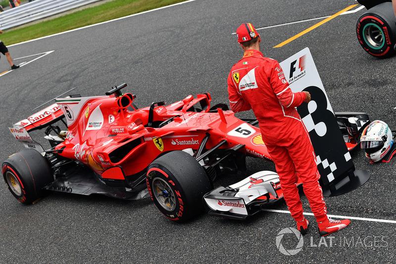 Sebastian Vettel, Ferrari SF70H in parc ferme