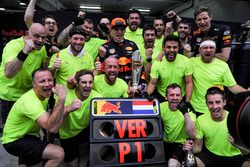 Race winner Max Verstappen, Red Bull Racing celebrates, with the team