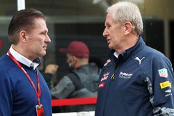 (L to R): Jos Verstappen, with Dr Helmut Marko, Red Bull Motorsport Consultant