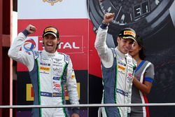 Podio: segundo lugar #8 Bentley Team M-Sport Bentley Continental GT3: Andy Soucek, Vincent Abril