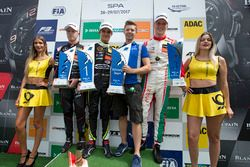 Podium : le vainqueur Lando Norris, Carlin, Dallara F317 - Volkswagen, le deuxième Nikita Mazepin, Hitech Grand Prix, Dallara F317 - Mercedes-Benz, le troisième Maximilian Günther, Prema Powerteam, Dallara F317 - Mercedes-Benz