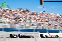 Хосе Мария Лопес, DS Virgin Racing, и Ник Хайдфельд, Mahindra Racing