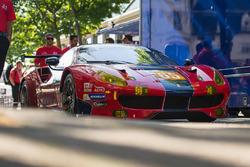 #65 Scuderia Corsa Ferrari 488 GTE: Крістіна Нільсен, Алессандро Бальзан, Брет Куртіс