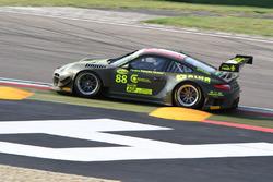 Porsche 997 GT3 R #88 Ebimotors: Venerosi - Baccani
