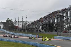 Simon Pagenaud, Team Penske Chevrolet, Charlie Kimball, Chip Ganassi Racing Honda