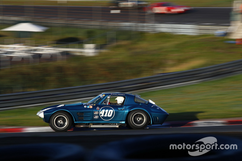 Michiel Campagne met de Chevrolet Corvette Grand Sport