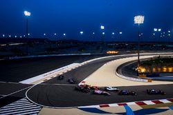Daniil Kvyat, Scuderia Toro Rosso STR12, Carlos Sainz Jr., Scuderia Toro Rosso STR12, Lance Stroll,