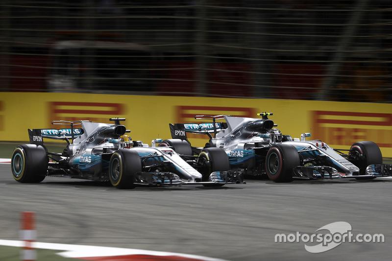 Porém, ele enfrentou dificuldades com o ritmo na corrida, precisou dar passagem a Hamilton e fechou em terceiro, completando o pódio.