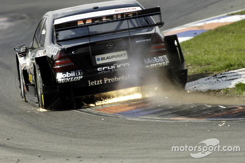 Funkenflug: Mika Häkkinen, Team HWA, AMG-Mercedes C-Klasse