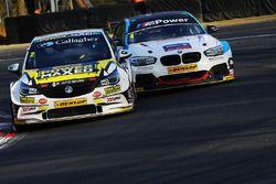 Tom Chilton, Power Maxed Racing, Vauxhall Astra; Colin Turkington, Team BMW, BMW 125i M Sport
