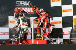 Podyum: Yarış galibi Chaz Davies, Ducati Team, 2. Jonathan Rea, Kawasaki Racing, 3. Marco Melandri,