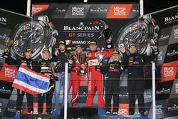 Podium AM: Race winner #11 Kessel Racing, Ferrari 488 GT3: Michael Broniszewski, Giacomo Piccini, second place #39 Kessel Racing TP12, Ferrari 488 GT3: Piti Bhirombhakdi, Carlo Van Dam, #70 Kornely Racing, Mercedes-AMG GT3: Yoshi Mori, Kenneth Heyer