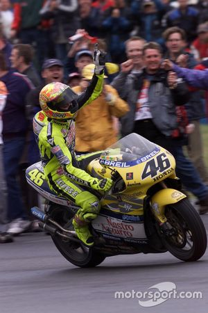 Yarış galibi Valentino Rossi, Honda