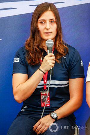 Tatiana Calderon, Sauber, alla conferenza stampa donne nel Motorsport