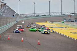 #4 FP1 Ligier LMP3, Danny Von Dongen, ANSA Motorsports, #230 FP1 Corvette Daytona Prototype, William