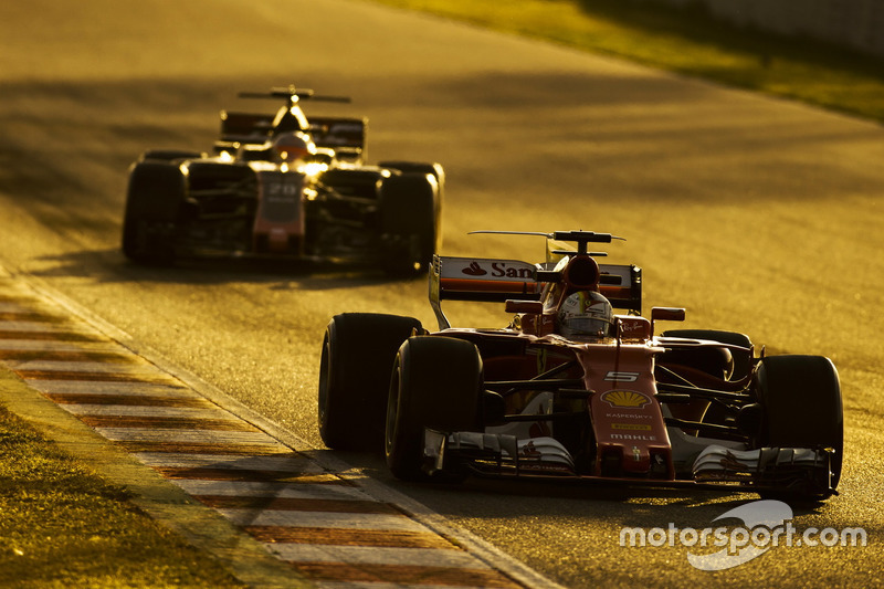 Jeudi : Sebastian Vettel, Ferrari SF70H, Kevin Magnussen, Haas VF-17
