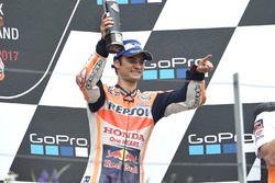 Подиум: обладатель третьего места Дани Педроса, Repsol Honda Team
