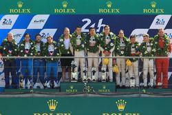 LMP2 podio: ganadores Ho-Pin Tung, Oliver Jarvis, Thomas Laurent, DC Racing, segundo lugar Mathias B