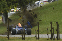 Robin Faustini, Reynard 92D-Cosworth, ACS, crash