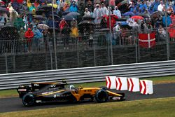 Jolyon Palmer, Renault Sport F1 Team RS17, im Notausgang