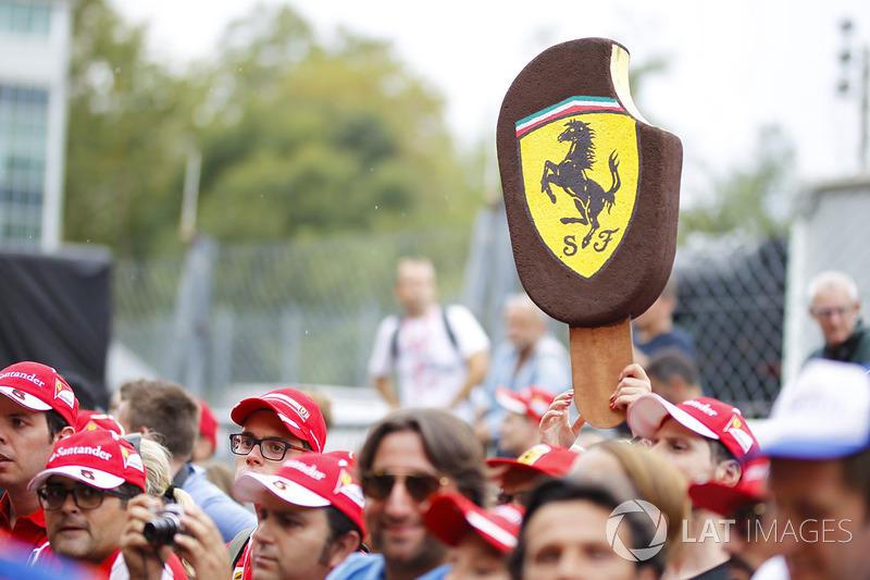 Ferrari fans and Ferrari Ice Cream board