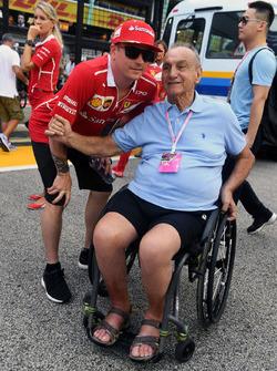 Kimi Raikkonen, Ferrari and fan