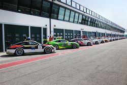 Le Porsche Carrera 91 GT3 Cup sulla pitlane di Misano