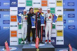 Podium: 1. Joel Eriksson, Motopark Dallara F317 - Volkswagen; 2. Lando Norris, Carlin Dallara F317 -