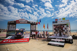Winnaars Sébastien Ogier, Julien Ingrassia, M-Sport, tweede plaats Thierry Neuville, Nicolas Gilsoul