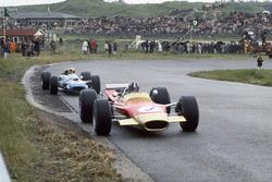 Graham Hill,Lotus 49B-Ford, leads Jackie Stewart, Matra MS10-Ford