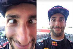 Daniel Ricciardo, Red Bull Racing, podyumda Lewis Hamilton, Mercedes AMG F1'in telefonunu ele geçiri