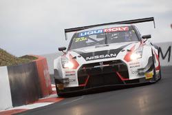 #23 Nissan Motorsport, Nissan GT-R Nismo GT3: Katsumasa Chiyo, Alex Buncombe, Michael Caruso