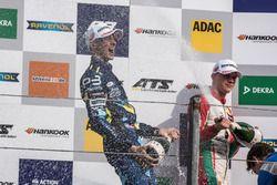Podium : le deuxième, Ferdinand Habsburg, Carlin, Dallara F317 - Volkswagen, le troisième, Maximilian Günther, Prema Powerteam, Dallara F317 - Mercedes-Benz