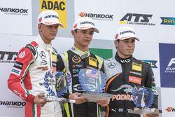 Podio Rookie: Mick Schumacher, Prema Powerteam, Dallara F317 - Mercedes-Benz, Lando Norris, Carlin,